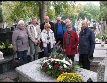 Z wizytą na cmentarzu przed Memoriałem Ksawerego Franciszka Meynasa 5.10.2018